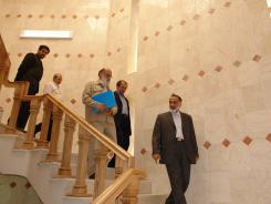 دیدار دکتر مهدی چمران؛ رئیس شورای شهر تهران با مدیرعامل و معاونین موسسه اهل البیت