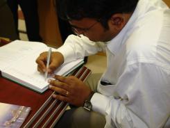 دیدار ناگش گردشگر خارجی با معاونین موسسه اهل البیت؛ کتابخانه دیجیتال موسسه؛ 1385/05/03