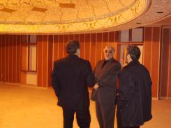 دیدار دکتر محمد اسدی گرمارودی با مدیرعامل و معاونین و بازدید از ورودی سالن اجتماعات موسسه اهل البیت