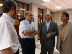 دیدار آقای مهندس حسن عبودیت عضو هیات امنای انجمن مددکاری امام زمان(ع) و هیات همراه با معاونین موسسه اهل البیت