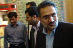 جناب آقای دکتر سید محمد حسینی؛ وزیر محترم فرهنگ و ارشاد اسلامی؛ ورودی موسسه اهل البیت