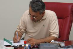 دیدار دکتر محمد علی نعمت بخش عضو شورای فناوری اطلاعات موسسه اهل البیت با معاونین موسسه؛ 1383/10/18