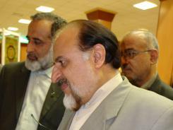 دیدار حسین انواری به همراه محمد جواد صدق سرپرست و مدیر عامل کمیته امداد امام خمینی؛ 1385/04/03