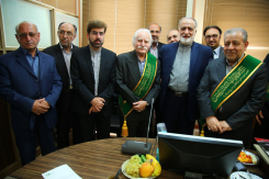 بازدید استاد فرشچیان از خیریه بهداشتی درمانی حضرت ابوالفضل (ع)
